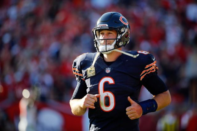 Former Bears Quarterback Jay Cutler Reportedly Agrees to Contract with Miami Dolphins