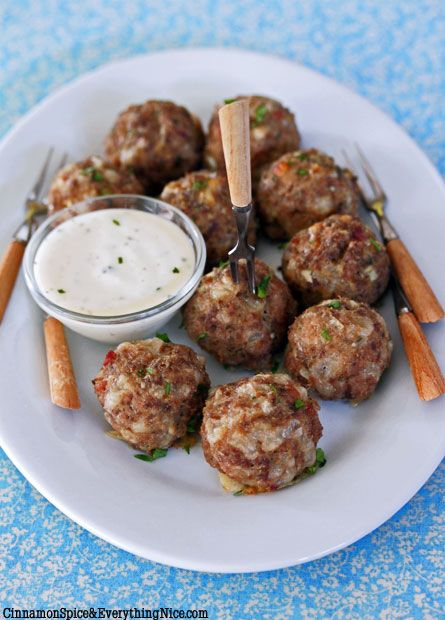 Jalapeno Cream Cheese Cocktail Meatballs ~ One of the star ingredients in this recipe is: Philadelphia Jalapeno Cream Cheese Spread ~ I bet these are big winner in the small bites & finger food food categories!