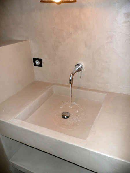 Vasque en béton ciré  maison  Pinterest  Concrete bathroom and ...