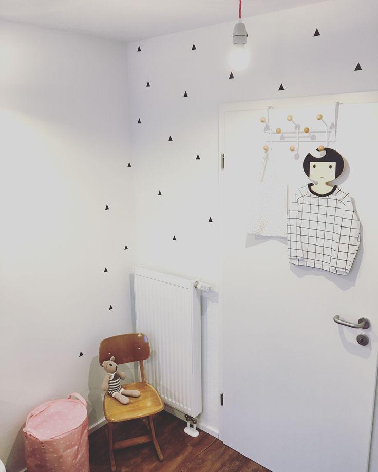 Kidsroom Triangle Vintage Love for the Babygirl