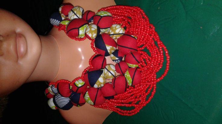 collier wax rouge perlé