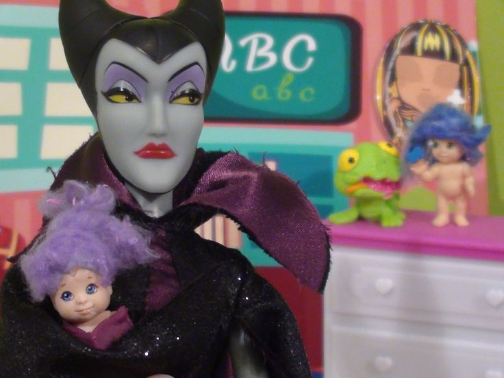 Mal and Evie babies start daycare    Descendants Maleficent and Mal Anna...