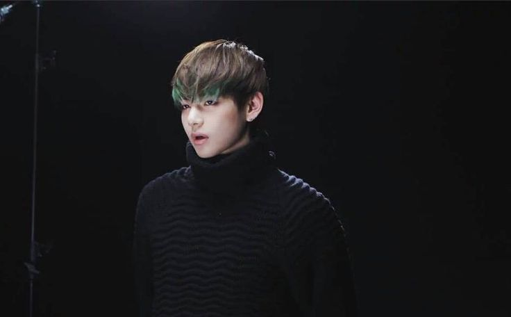 ARMYs, y'all are already on it, but allow us to add to the celebration of V's birthday!V, born on