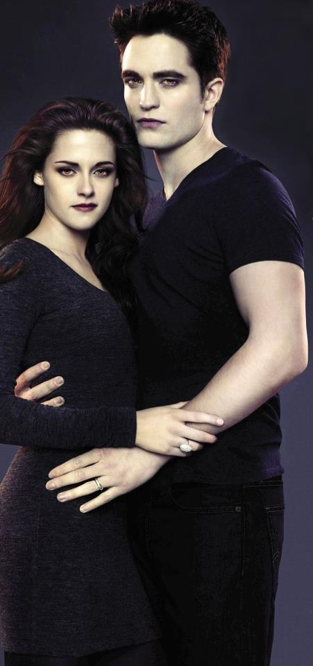 Edward and Bella Cullen (Twilight Saga: Breaking Dawn Part 2)twilight is so addicting!!!can't wait till November