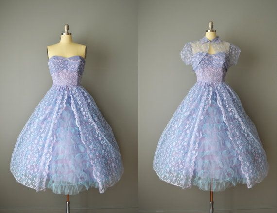 Hey, I found this really awesome Etsy listing at https://www.etsy.com/listing/179857800/vintage-50s-strapless-periwinkle-tulle