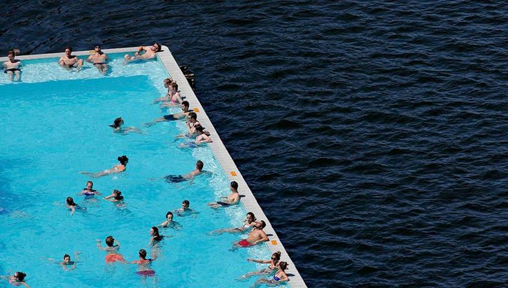 Sommer: Schwimmbad Berlin