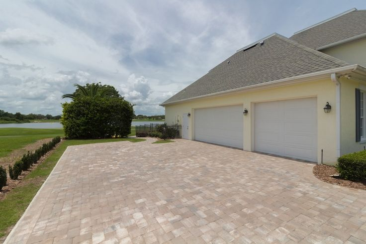 Bay Hill Garage   Bay Hill Golf Front House | Orlando, FL | 5 BR 4 BA 3.5 CAR | Listing Price: $1,300,000 www.homesfromjan.com