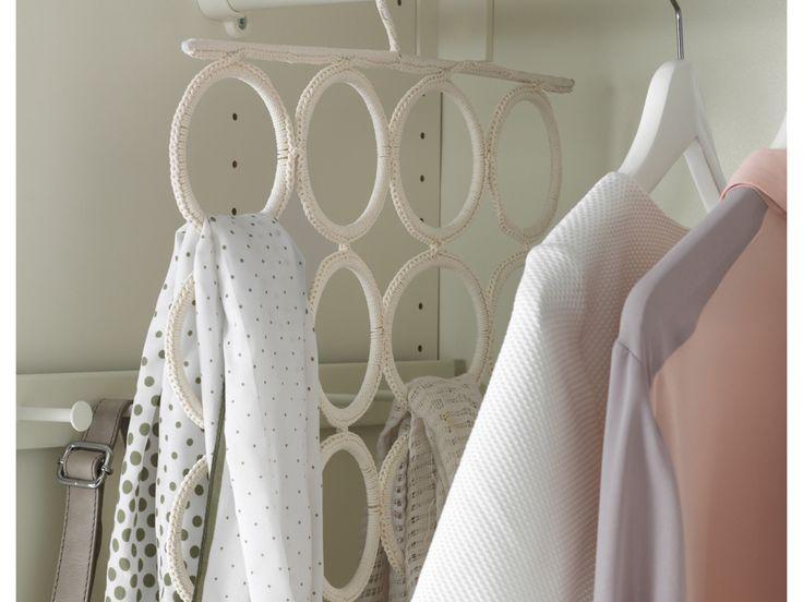 Cambio armadi: come organizzare (e tenere pulito) l'armadio