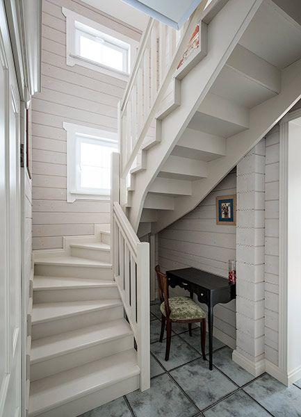 Двухэтажный дом из клееного профилированного бруса