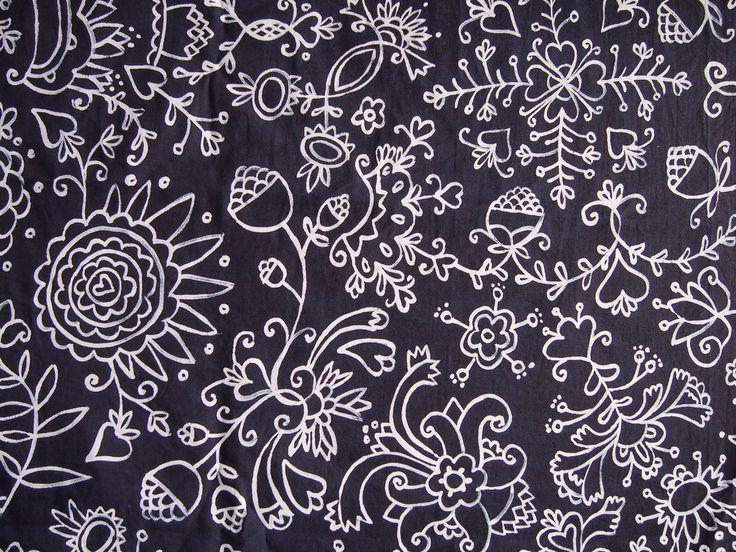 indigo pattern, blueprint, folklore Originální autorské modrotiskové plátno s folklorním motivem. Volná kresba z ruky. Dana Lindenthalová