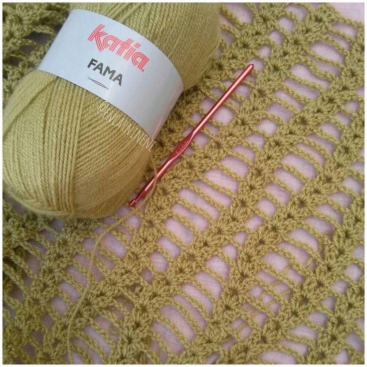 encarninene Comenzando nuevo chal con unas madejas que tenía perdidasde @katiayarns  #handmade #hechoamano #katia #katiayarns #crochet #crochetlovers #ganchillo #crocheting #instacrochet #instaganchillo #chal #tejeresunplacer #tejer #tejiendo #hook #lana