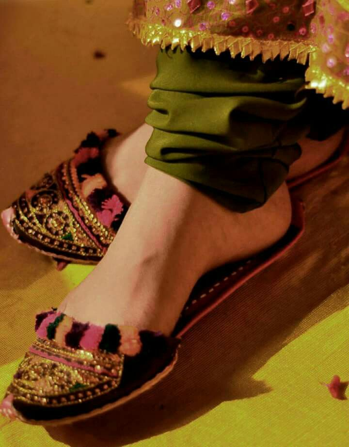 Indian shoes in the kitties style