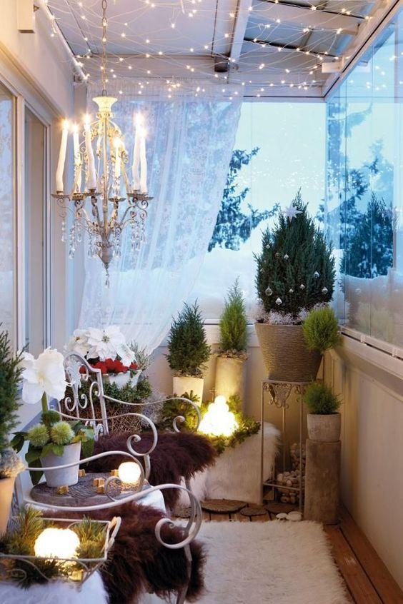 Small Balcony Apartment Decor Ideas for Christmas