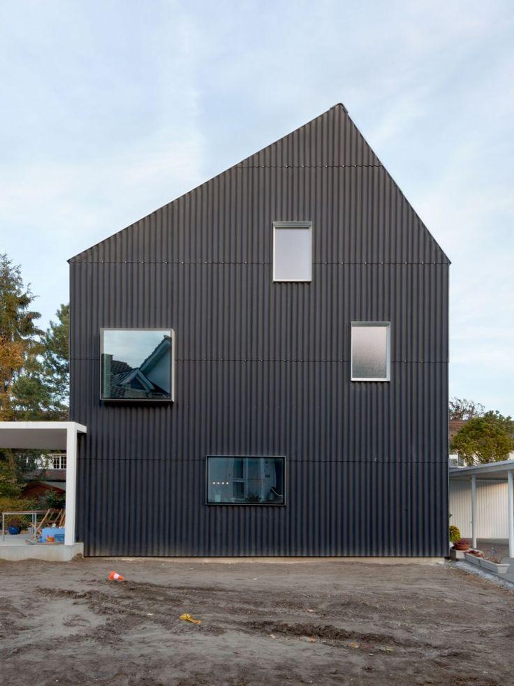 Wooden House, Bellmund, Switserland (by EXH)