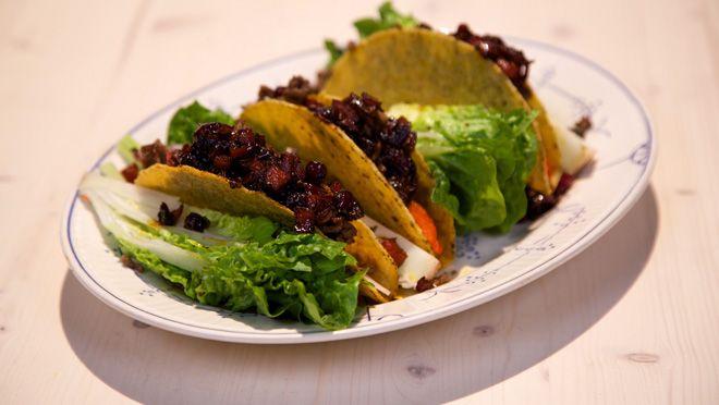 Taco's met paprika-uienchutney - recept | 24Kitchen