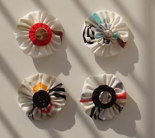 yo-yo brooches