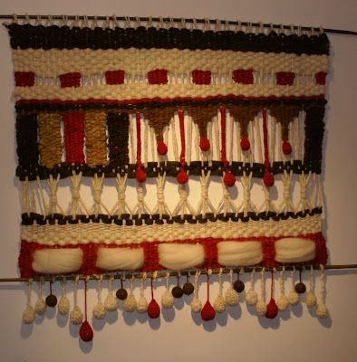 Telaresytapices .... Maria Elena Sotomayor : telar blanco con rojo alegre ( Rancagua)