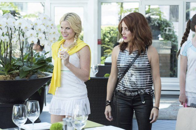 Still of Alanna Ubach and Megan Hilty in Girlfriends' Guide to Divorce (2014)