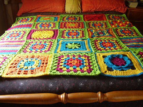 Heirloom Blanket. Pattern: 200 Crochet Blocks by Jan Eaton.