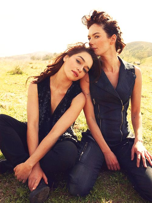 Emilia Clarke & Lena Headey. Game Of Thrones.