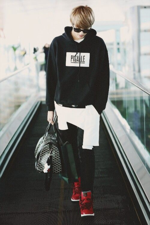 Z Mr D Anka On Airport Fashion Kris Wu And Exo