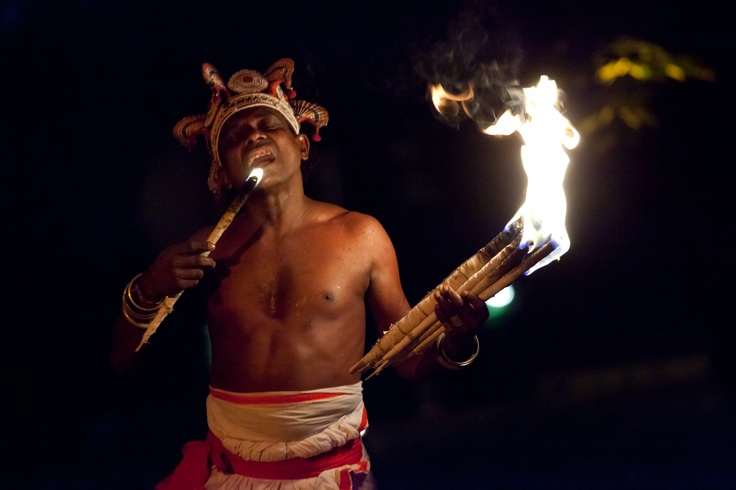 TOVIL | Sri Lanca | Lankijskie tańce demonów. Egzorcyzmy ludu Sinhala.    fot. Joanna Stoga
