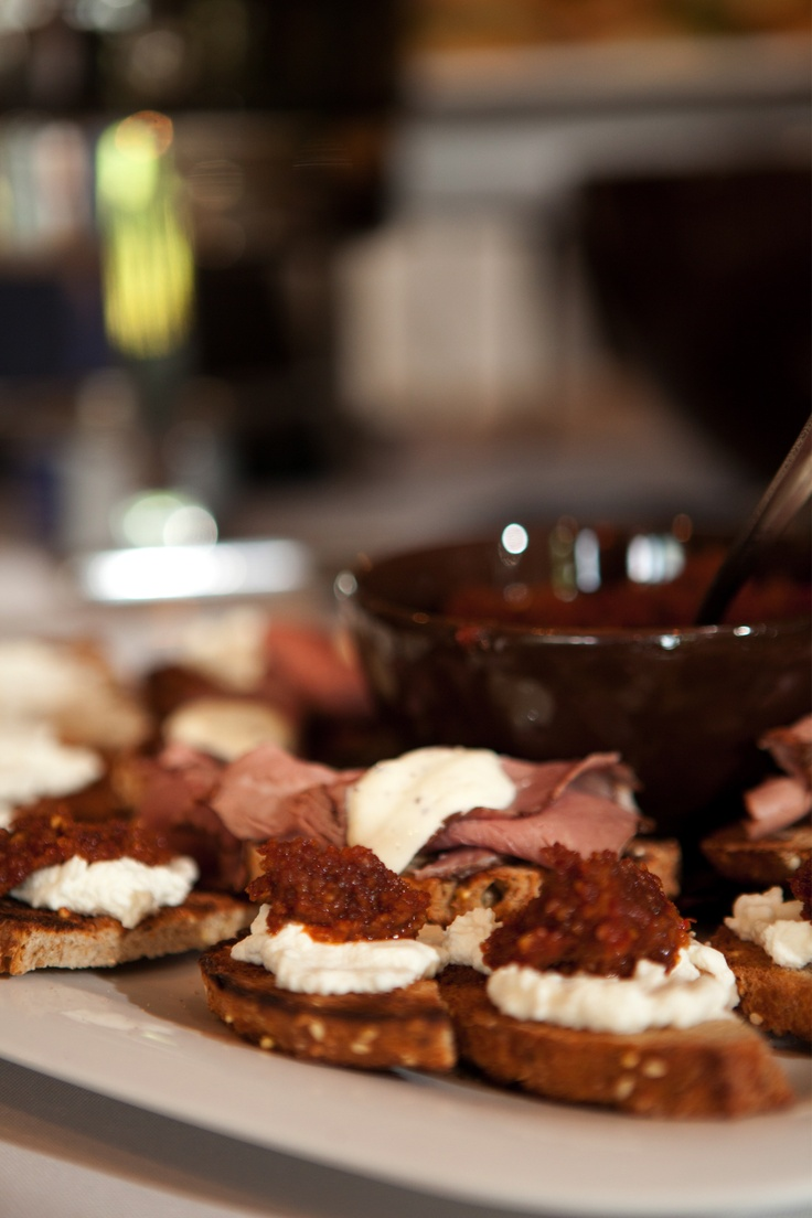 Rare roast beef, Horseradish cream and Tomato pesto on Pinterest