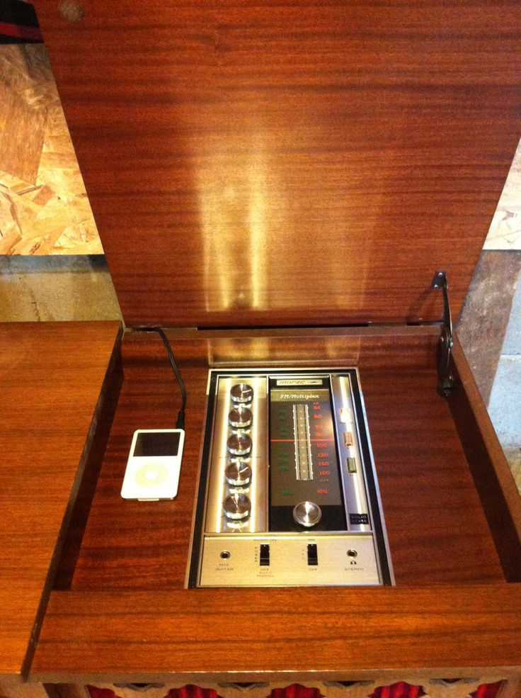 60's stereo/modern ipod dock  pacificjunctionshop@gmail.com