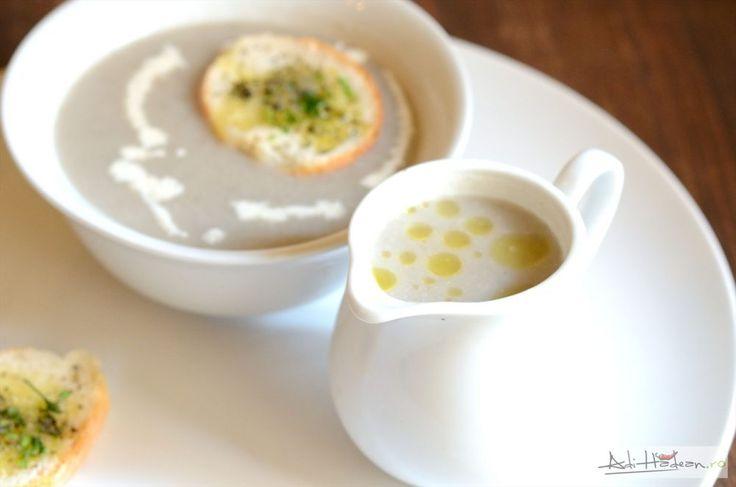 """Am făcut o cremă de ciuperci (specific mereu că-i vorba despre o supă pentru că în limba română """"cremă"""" înseamnă de obicei altceva) acum câteva zile. Vreau"""