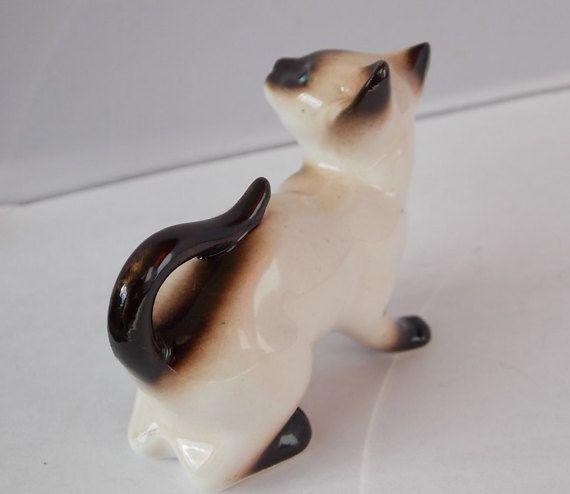 Enesco Figurine Crouching Siamese Cat Kitten by OnceAgainTreasure