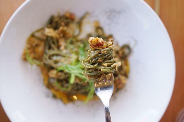 : : Superba Snack Bar - LA - Dungeness Crab Wakame Pasta : :