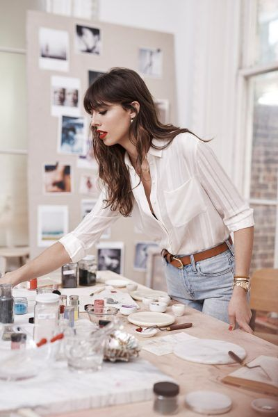 Violette_fr is a beauty influencer and the new Estée Lauder Global Beauty Director. We met this exceptional woman for an interview | hey woman!