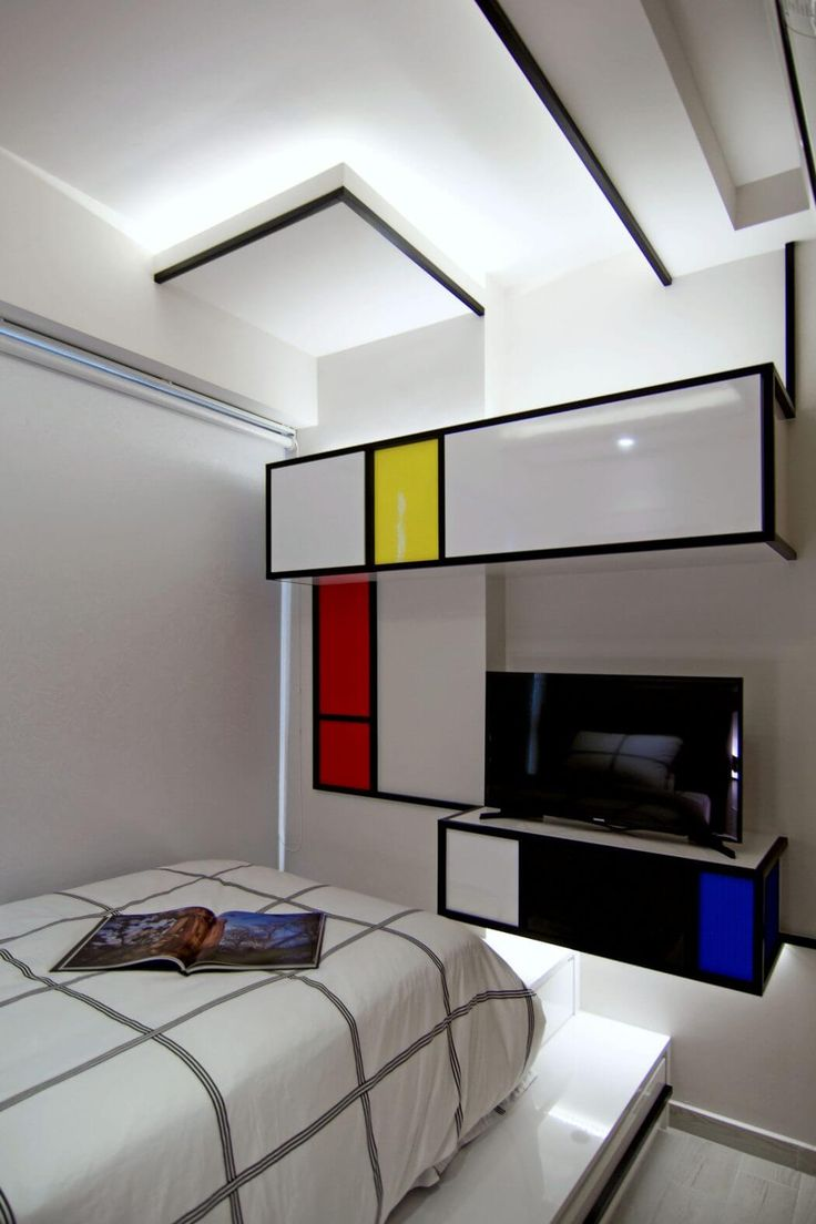 Vivid Apartment in Singapore Inspired by Pop Imagery, Street Art - http://freshome.com/apartment-design-Singapore/