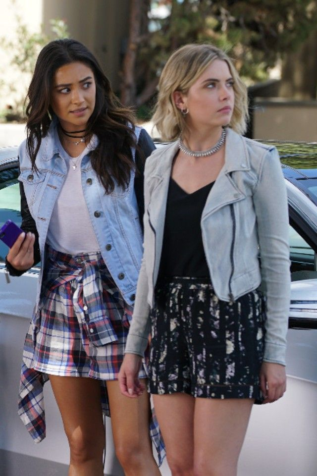 Hanna's fashion style on Pretty Little Liars | LookLive