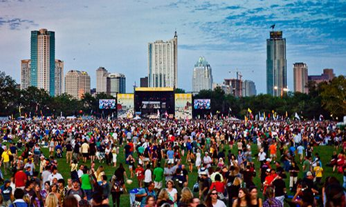 Immigration clause in contract causes uproar with performers at Texas music festival
