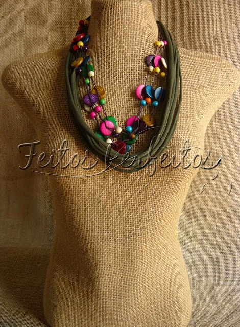 COLARES DE TECIDO: Colares Artesanais, Jewelry Artesanai, Fabric, Favorite Necklaces, Colar Artesanai, Necklaces, Lançamento Colar, Fabric Color Pink, Necklace