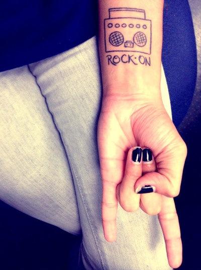 m s de 25 ideas incre bles sobre tatuajes de apellido en. Black Bedroom Furniture Sets. Home Design Ideas