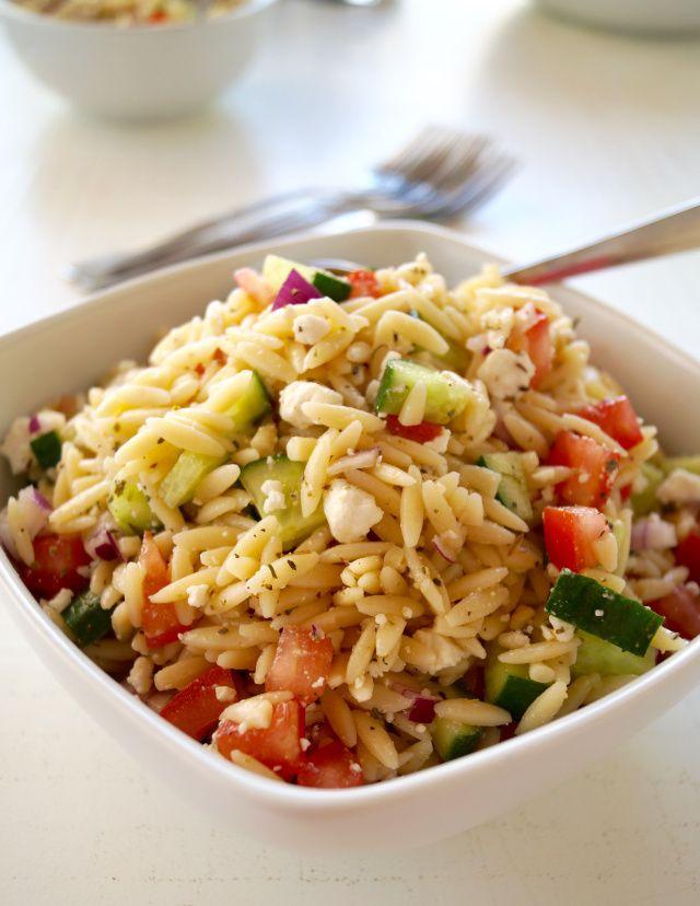 Greek Orzo Pasta Salad (Takes just 10 mins to make!)