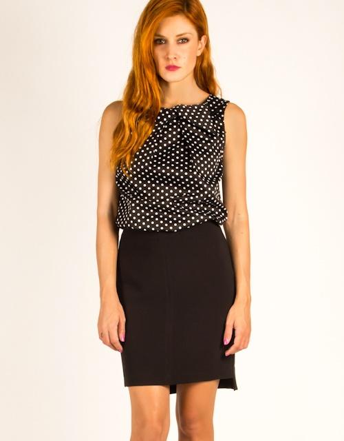 Bodycon asymmetrical skirt.