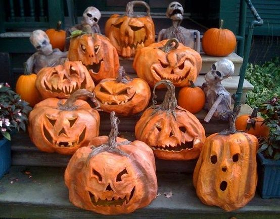 Paper mache pumpkins, must try    Trying the lights in the pumpkins now using twinkle Christmas lights makes them appear to be flickering candle..here's 4 lit: