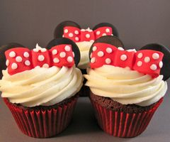 i love disney. and food. and icing.... ahhhh(k): Mice, Minniemouse, Food, Minnie Mouse, Minnie Cupcakes, Mouse Cupcakes, Cup Cake, Party Ideas, Birthday Ideas