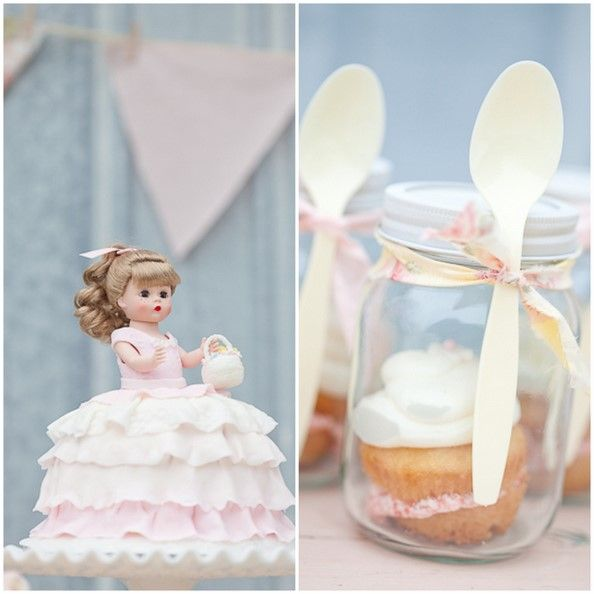 love the cupcake in a jar idea. contains the mess!