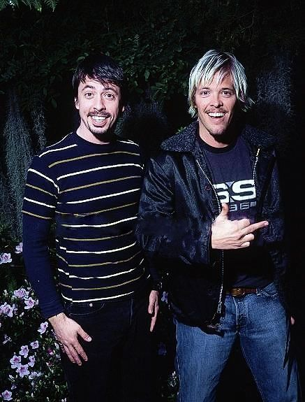 younger days Dave Grohl and Taylor Hawkins of foo fighters.