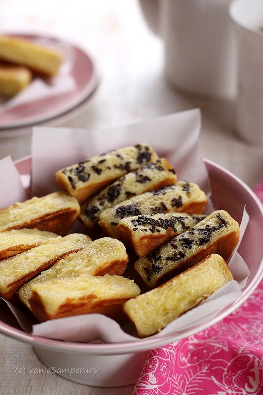 Kid pukis... Back to mom's roots with this Indonesian cake recipe