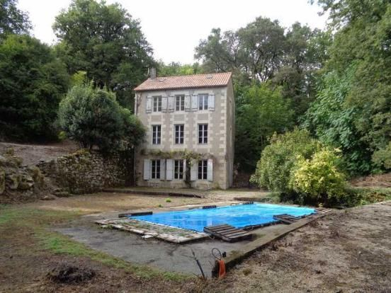 3 bedroom detached house for sale in Valdivienne, Vienne, Poitou-Charentes