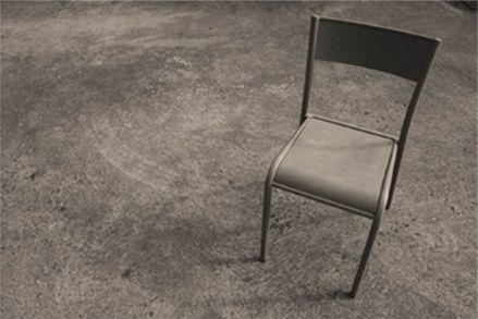 Design fran ais authentique la chaise originale 510 for Chaise originale