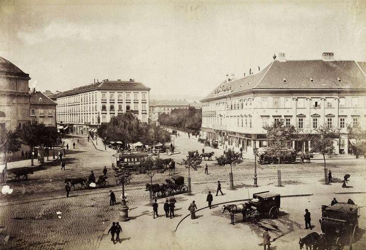 Deák Ferenc tér. A felvétel 1892-1895 között készült. A kép forrását kérjük így adja meg: Fortepan / Budapest Főváros Levéltára. Levéltári jelzet: HU.BFL.XV.19.d.1.08.040
