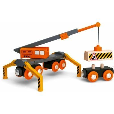 Brio Mega-Kran-Set 33555. Mit dem Magnetgreifer des Mega-Krans lassen sich Güter verladen. Der Kran kann auf den Schienen fahren, hat einen ausfahrbaren Hubarm, sowie zusammenklappbare Stützen und ist sogar drehbar. Warnschild enthalten.  http://www.briobahn.ch/brio-eisenbahn-mega-kran-set-33555.html