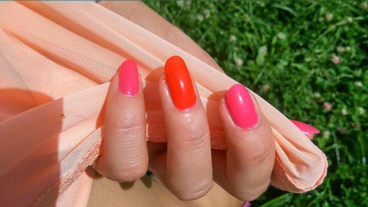 Fuchsia and orange summer nails tutorial  http://janesbeauties.blogspot.sk/2014/06/cyklamen-orange.html