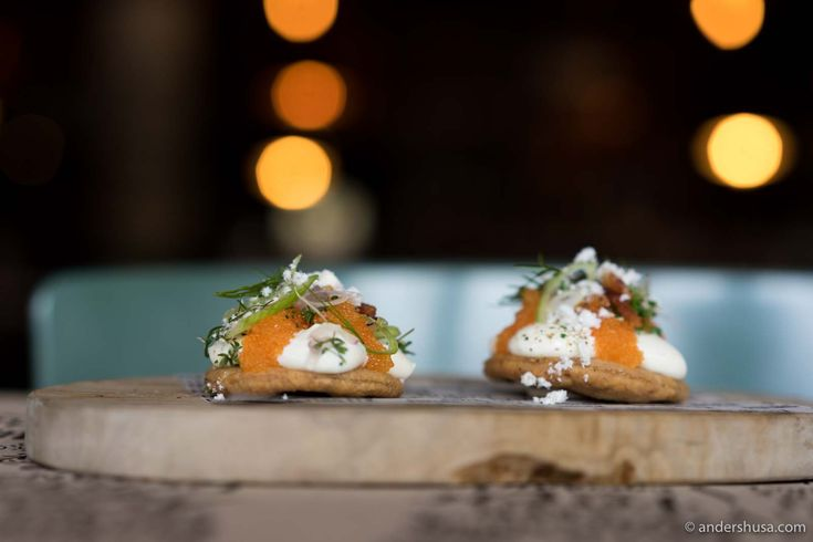 Discover Björn Frantzén's casual sister restaurant in the Old Town (Gamle Stan). The Flying Elk is a gastropub mixing Swedish ingredients with British pub traditions.